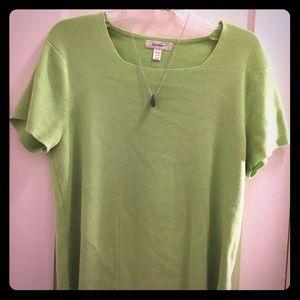 Dress Barn nice light green SS sweater. 🎶🎵